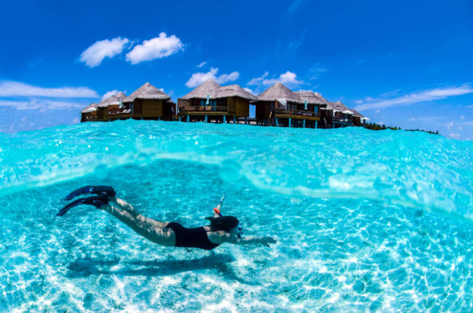 Malediven-snorkeling-iStock_000008472553_Large-2-707×469