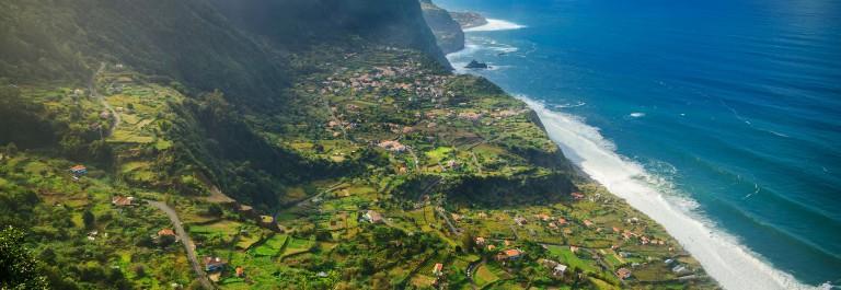 V3_header_Madeira_shutterstock_373902586
