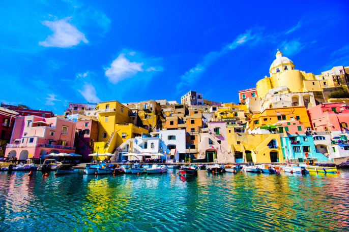 Procida Insel in der italienischen Küste, Neapel, Italien iStock_000019274093_Large-2