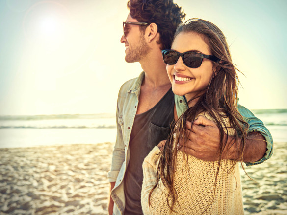 ray-ban-sonnenbrillen-fake-pic-istock_000062934868_large-2-585x440