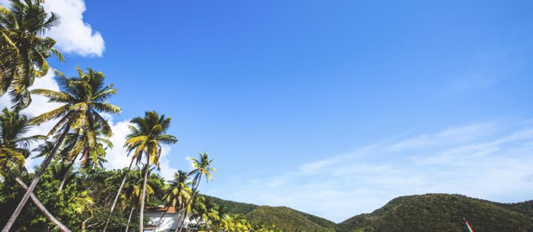 v3_header_antigua_caribbean-beach-carlisle-bay-antigua-barbuda-istock_000077826227_large
