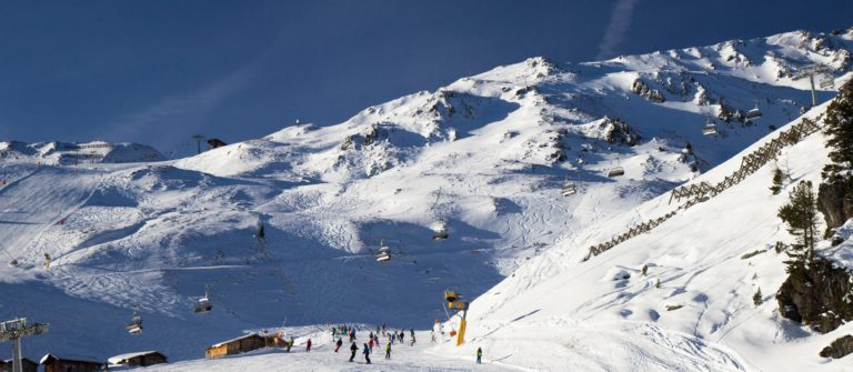 v3_header_zillertal_winter_ski_shutterstock_325511906
