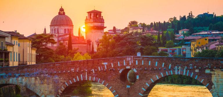 ponte-pietra-verona-istock_000035812178_large-2